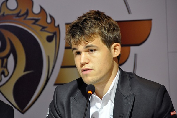 anand-carlsen-3-2